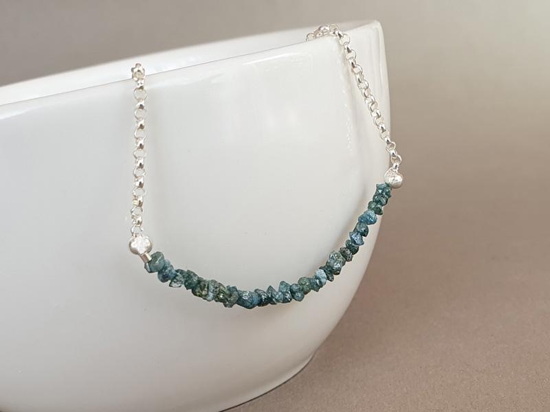 colier diamante albastre