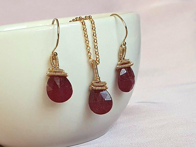 set bijuterii rubin